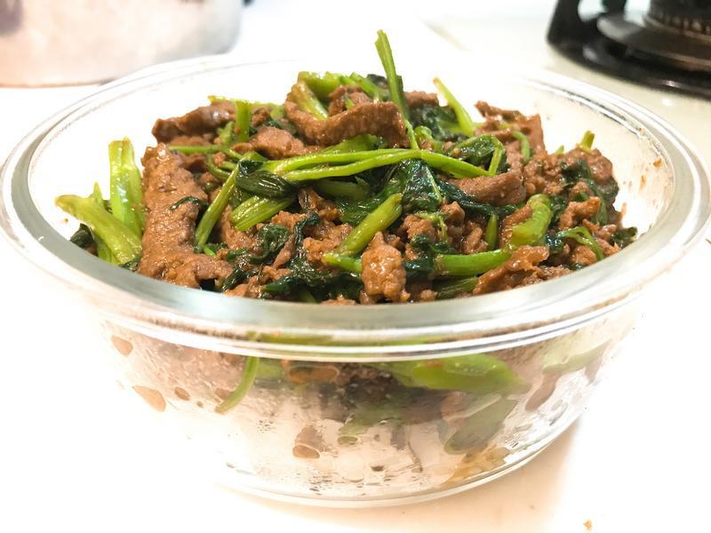 【預先醃製。快速】沙茶牛肉絲