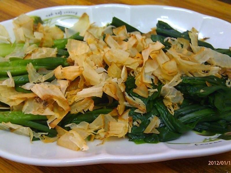 柴魚片燙韭菜
