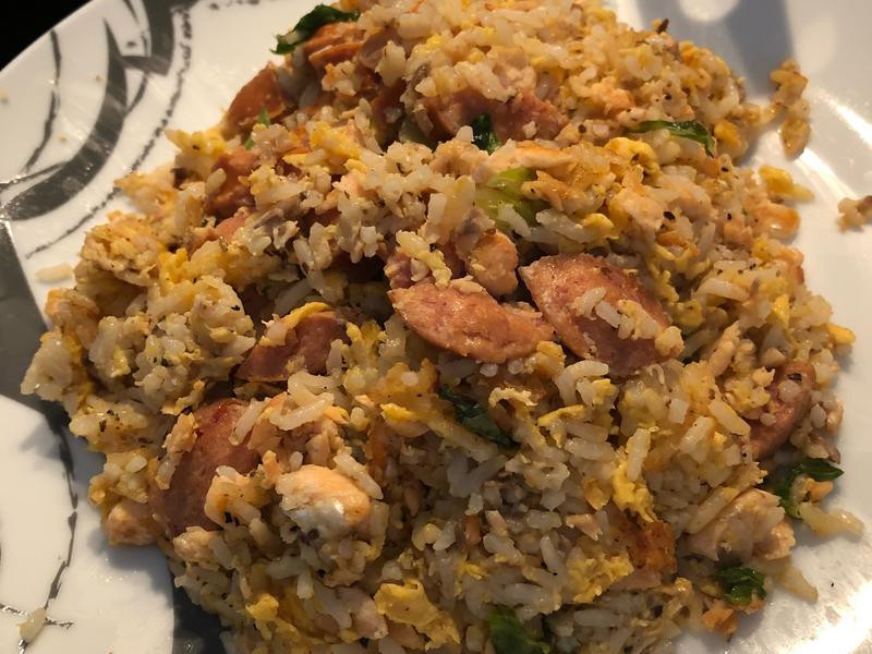 黑松露鮭魚蛋炒飯