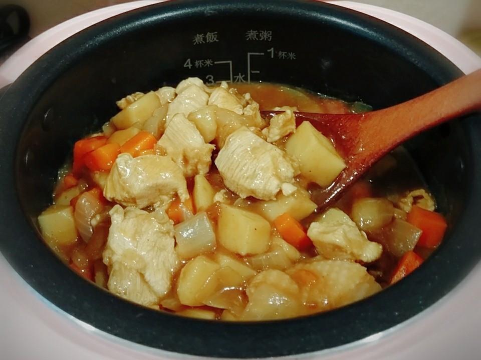 【雞肉咖哩】電鍋版