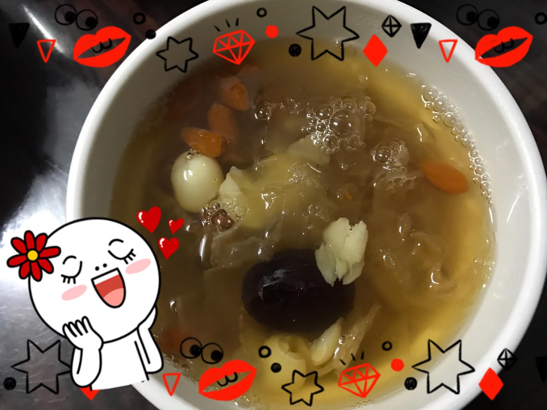 冰糖木耳蓮子湯