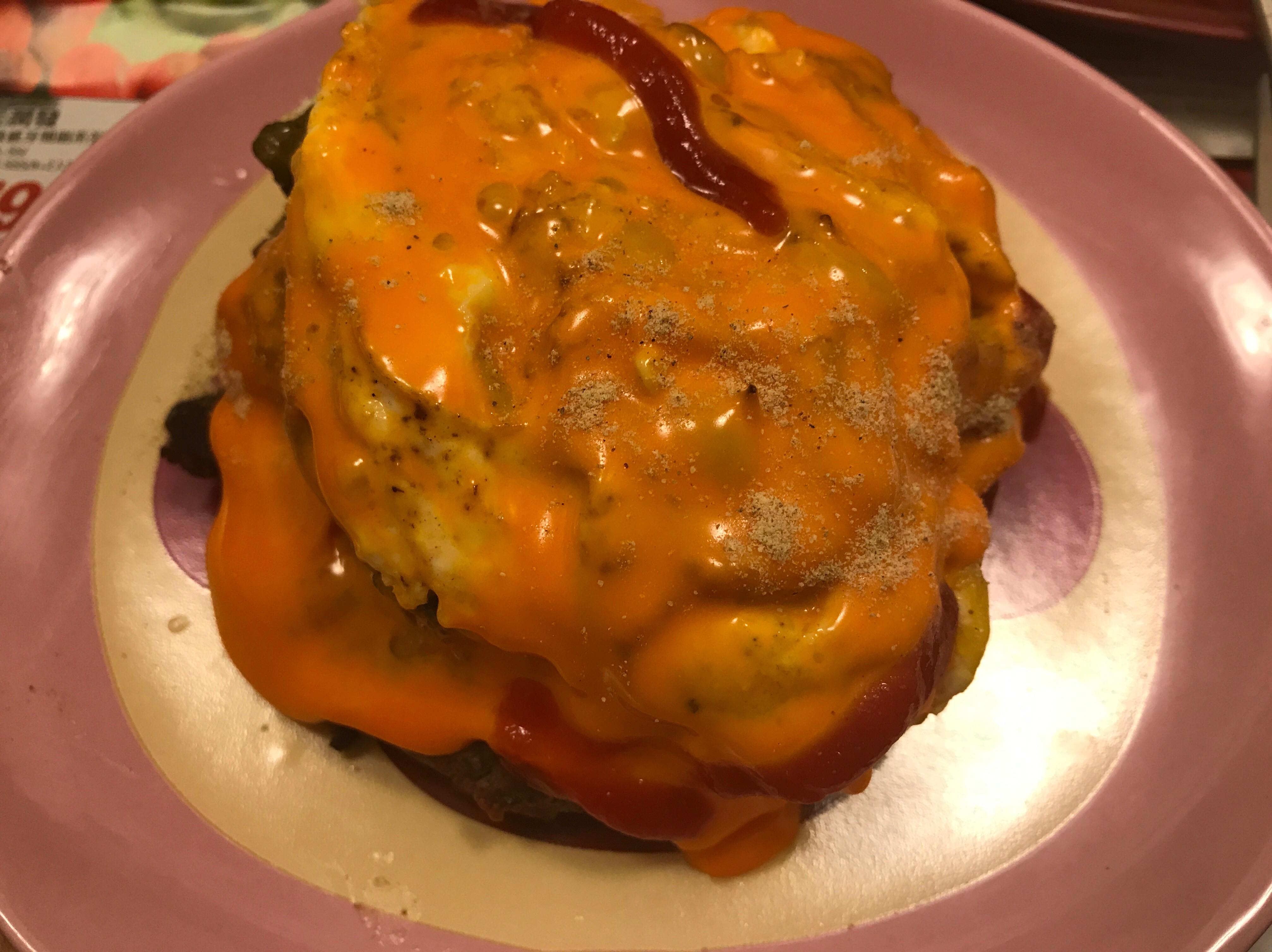 低碳生酮~烤漢堡牛肉起司酪梨醬