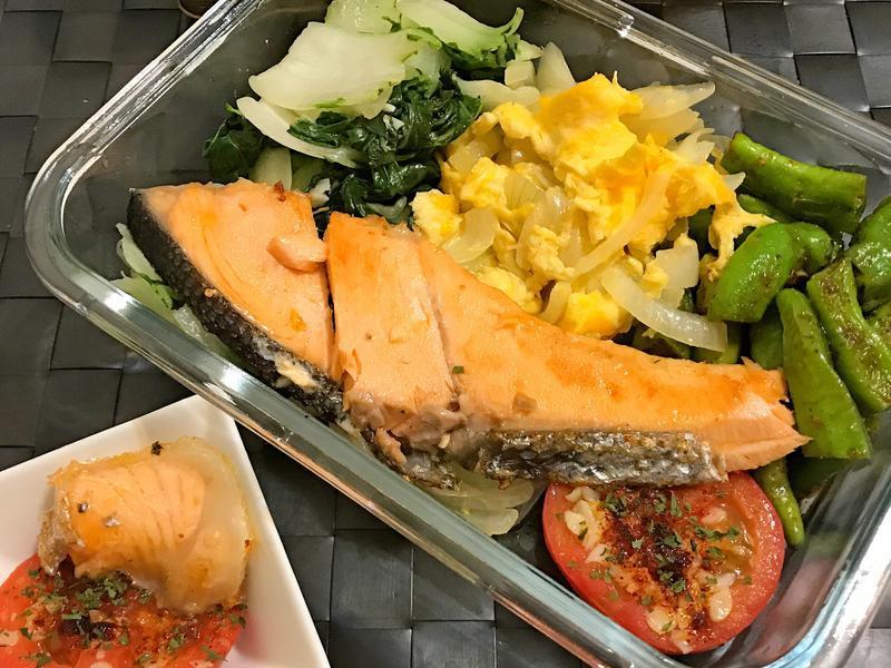 薄鹽鮭魚-每日便當-糯米椒的季節