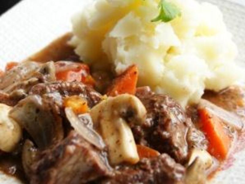 我的料理個人秀 ~~ 紅酒燉牛肉