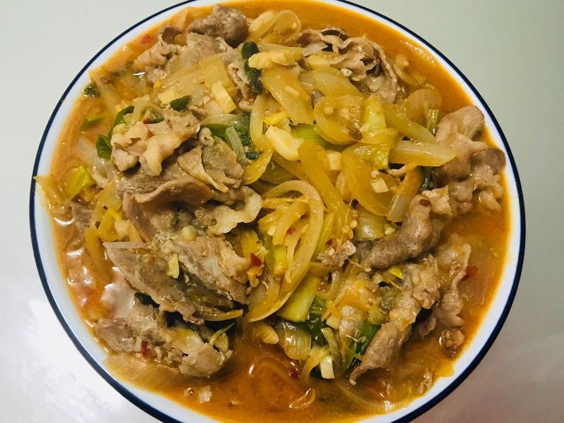 超下飯:辣炒味增豆瓣洋蔥豬肉