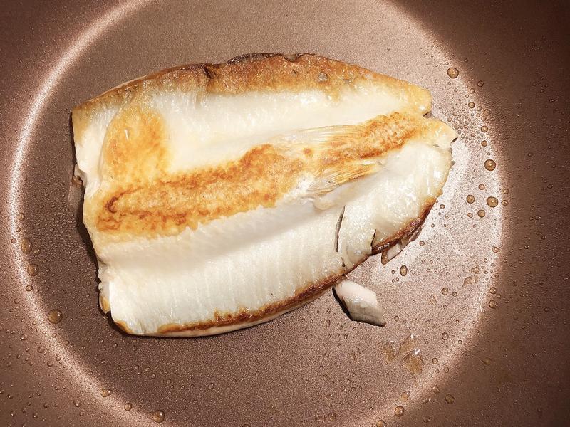 乾煎虱目魚肚 (サバヒーはら焼き)