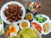 韓式烤肉拌飯/生菜包肉