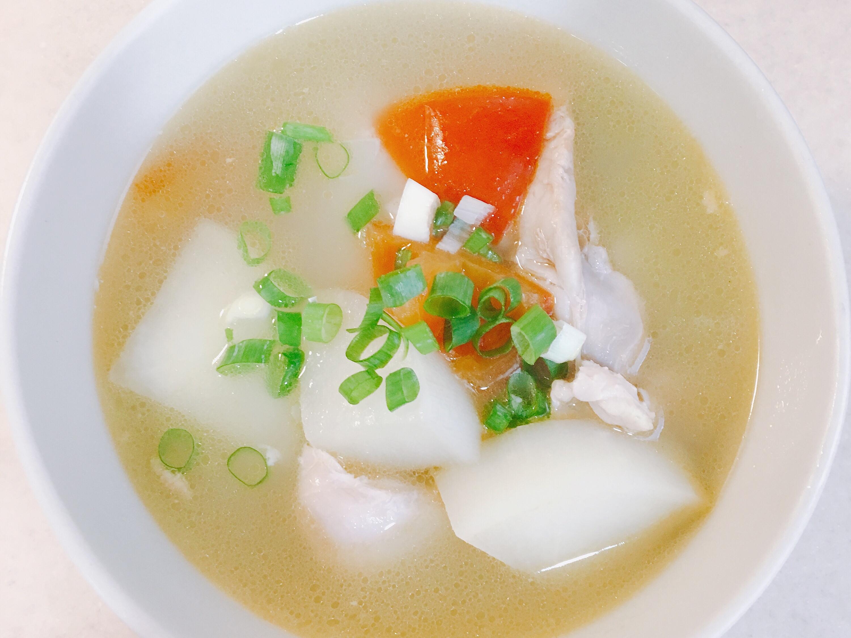 白蘿蔔番茄螺片雞湯