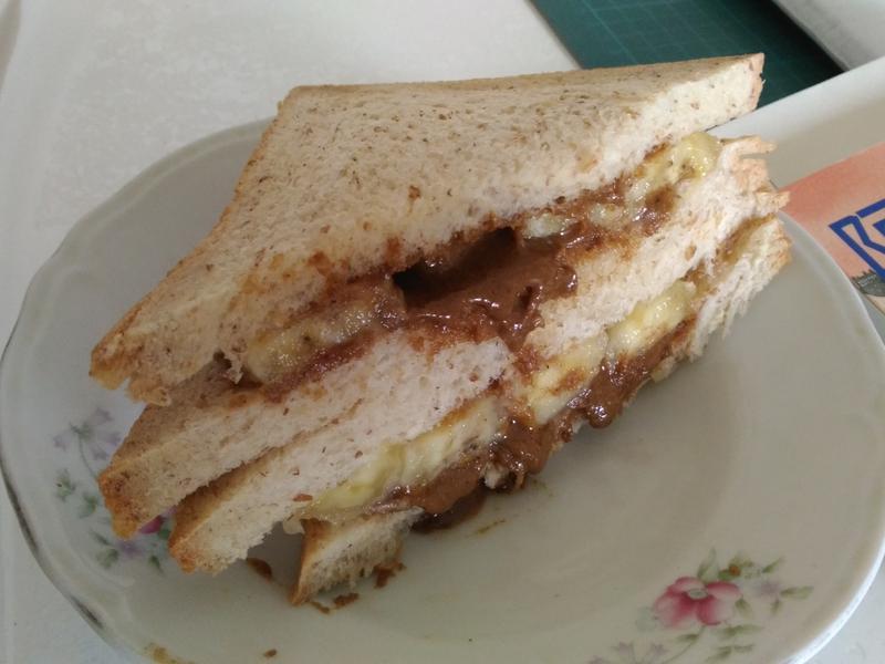 香蕉 芝麻醬 吐司 三明治