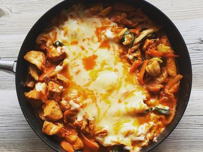韓式起司辣炒年糕雞