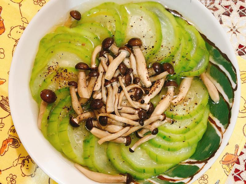 零廚藝免流汗料理-鴻喜菇絲瓜