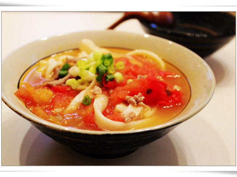 蕃茄榨菜肉絲刀削麵
