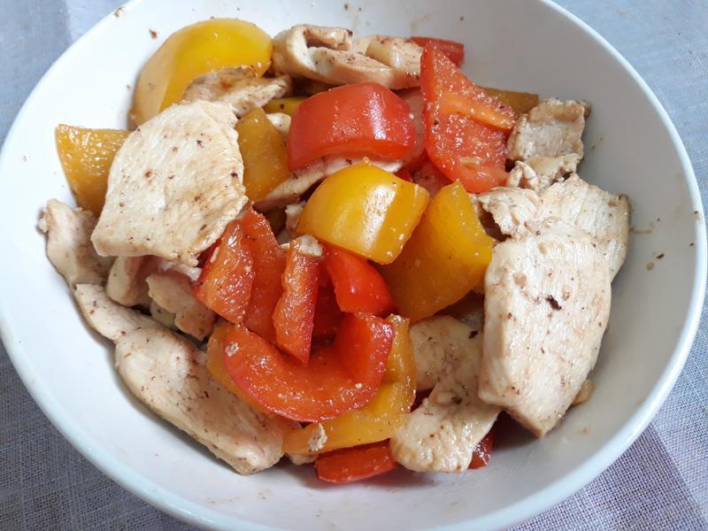 甜椒炒雞胸肉片