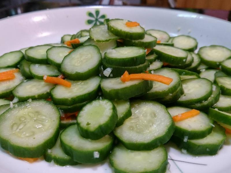盛夏開胃蒜香小黃瓜涼拌