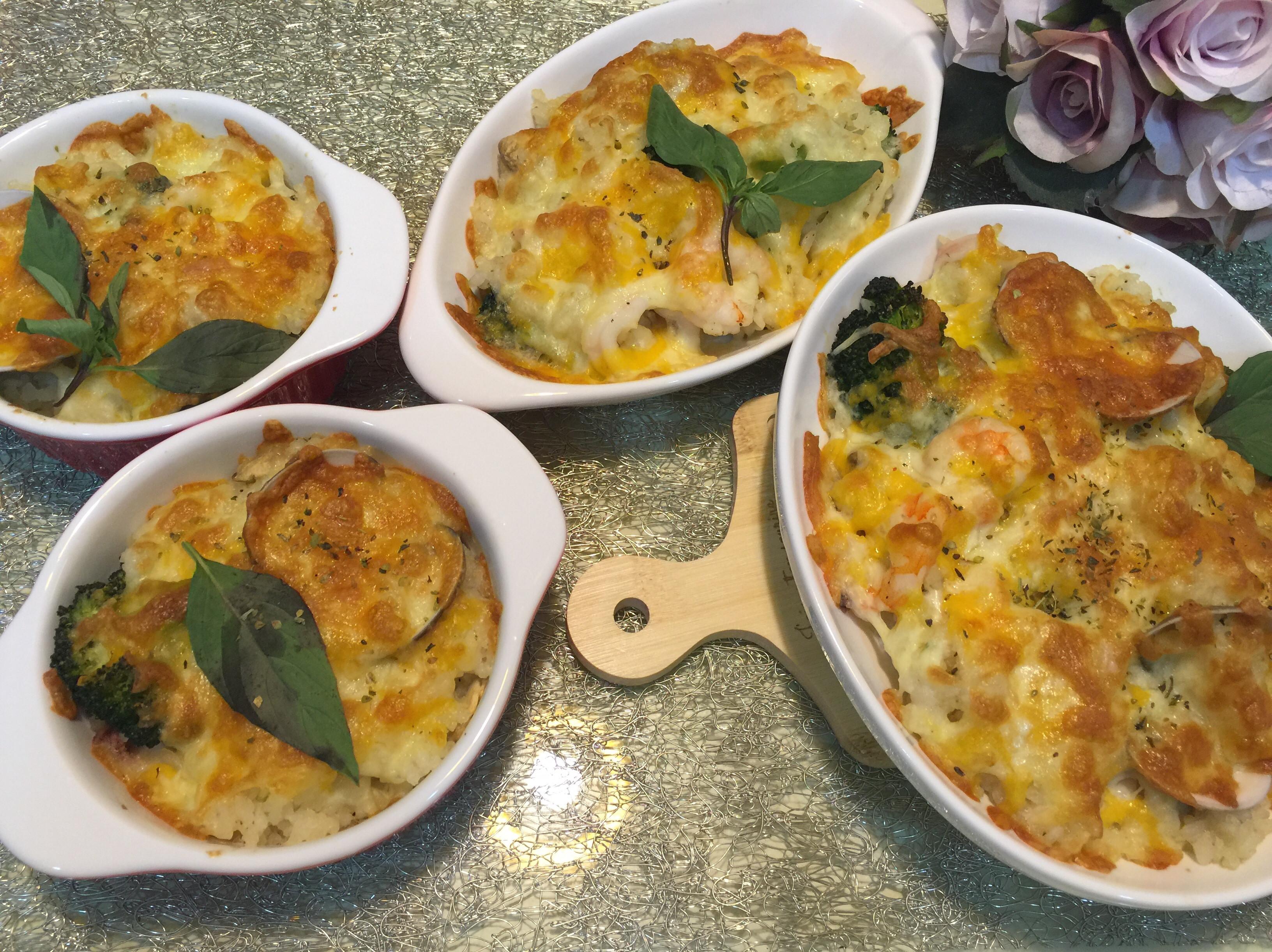 奶油蘑菇海鮮焗烤飯