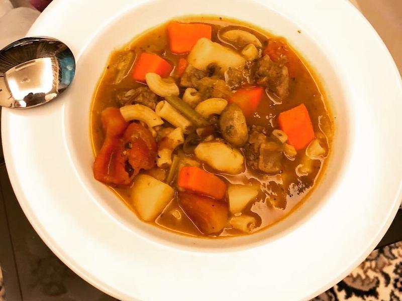 義式番茄蔬菜牛肋濃湯X通心麵