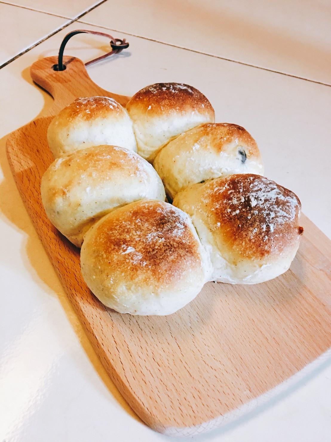 藜麥桂圓牛奶軟麵包(早晨現烤)