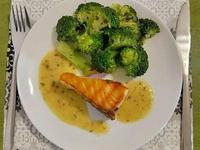 美威鮭魚組合-法式香草香煎鮭魚