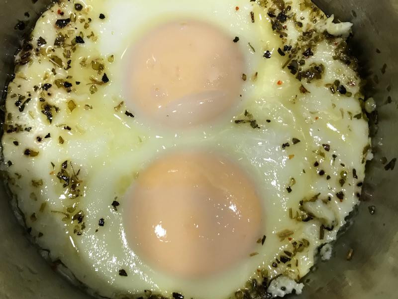 電鍋義式香料荷包雙蛋