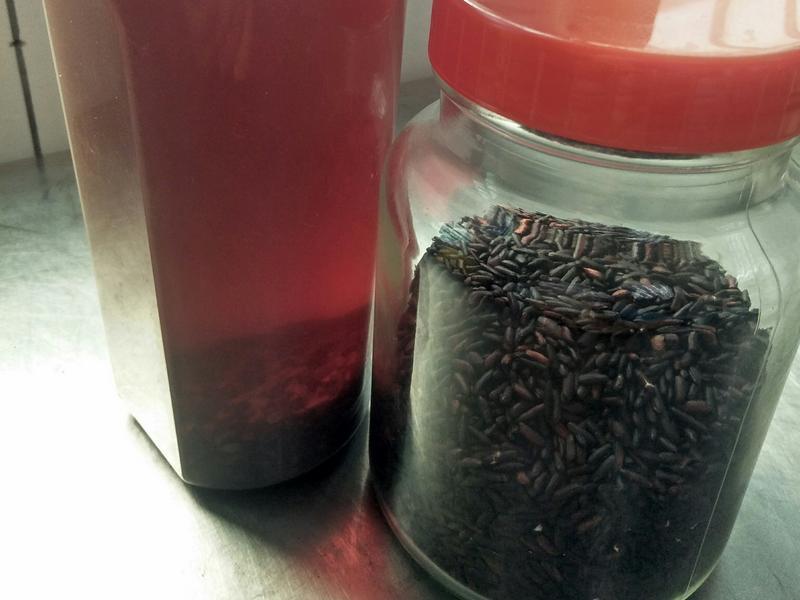 炒米茶(用米做的)