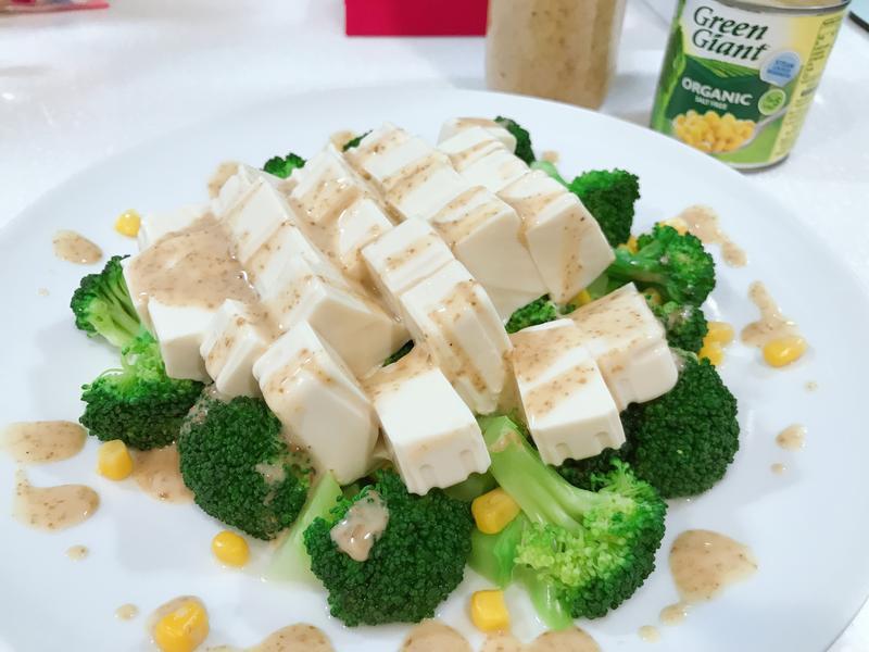 胡麻醬涼拌豆腐