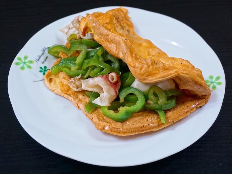 約克夏布丁佐魷魚嘴炒青椒