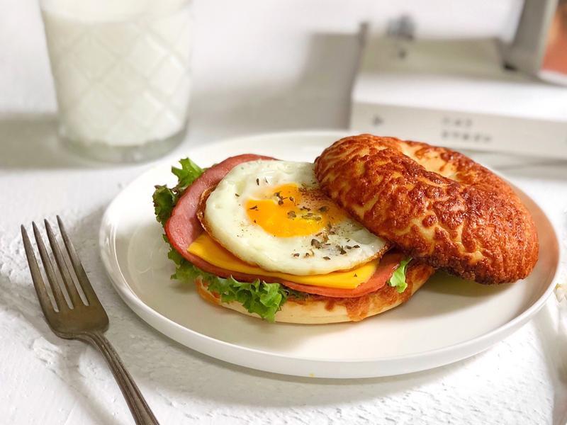 貝果三明治