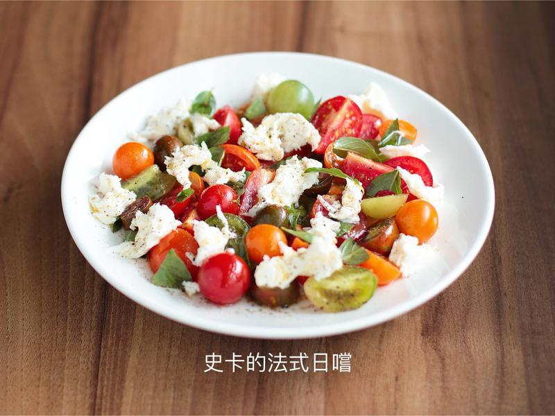 夏日番茄乳酪沙拉 零廚藝