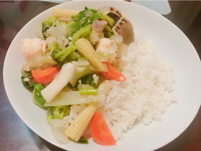 海鮮蔬菜燴飯🐟🍚