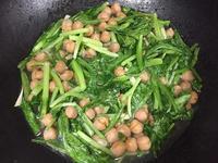 水耕蔬菜炒雪蓮子