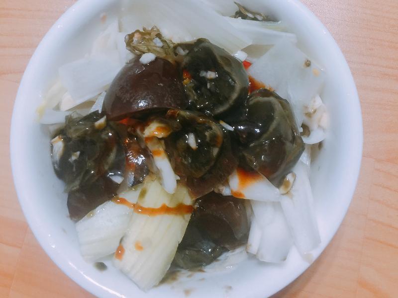 泰式涼伴洋蔥皮蛋