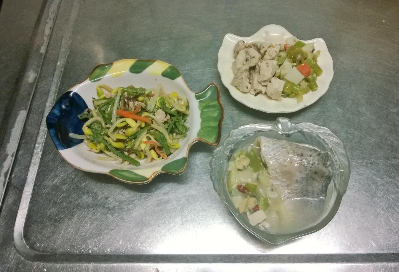 鮮食🐾龍鬚豆芽炒肉 香料烤雞 雙瓜蒸魚