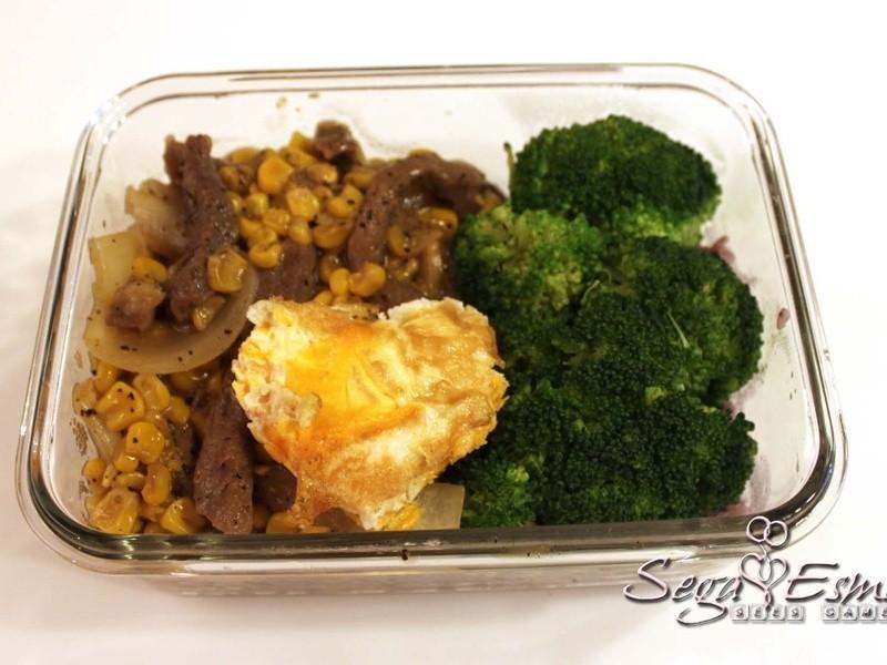 懶人營養便當 - 黑胡椒牛肉燴飯