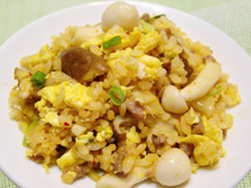 【厚生廚房】菇菇蛋香炒飯