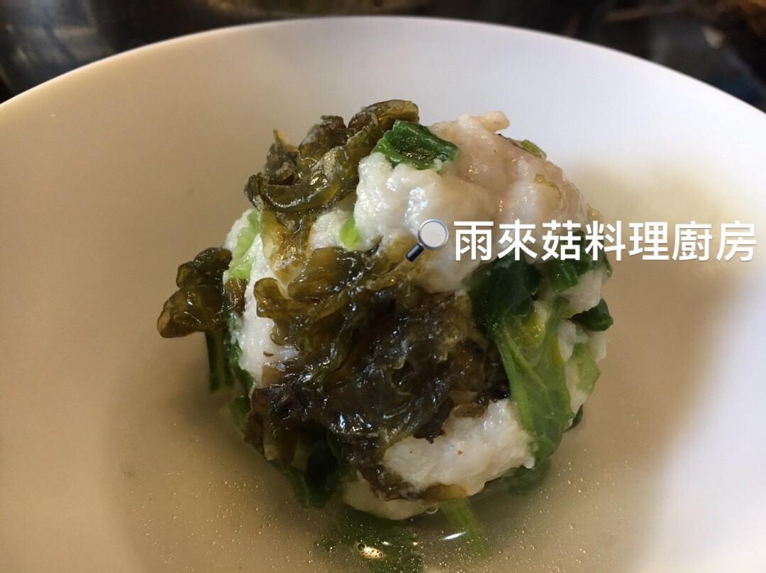 雨來菇菠菜丸子湯