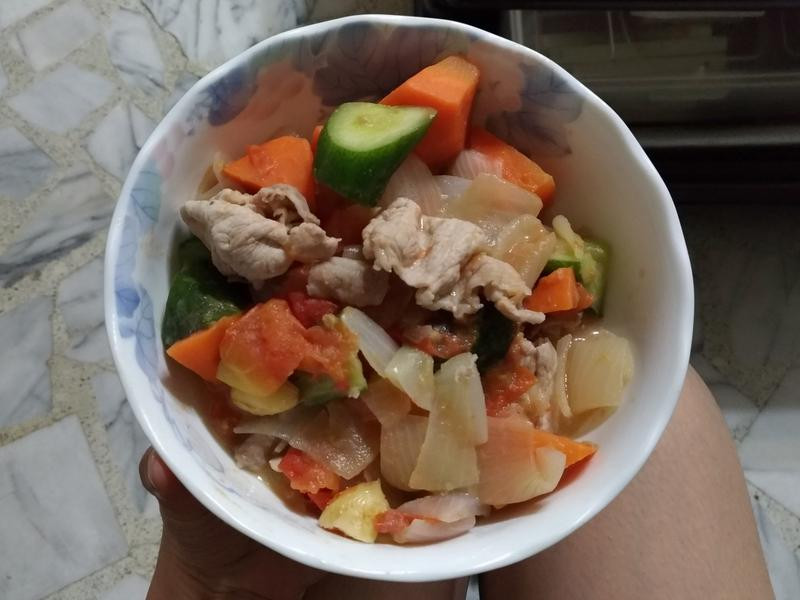 燉蔬菜肉片