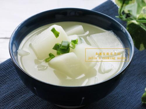 [白蘿蔔雞骨湯]銅板價格美味湯品
