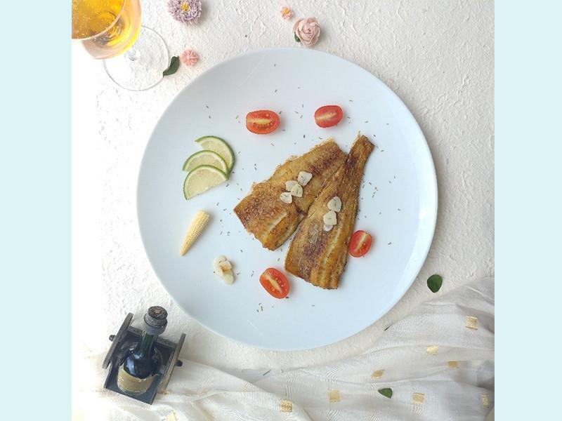 奶油香蒜迷迭香煎魚排