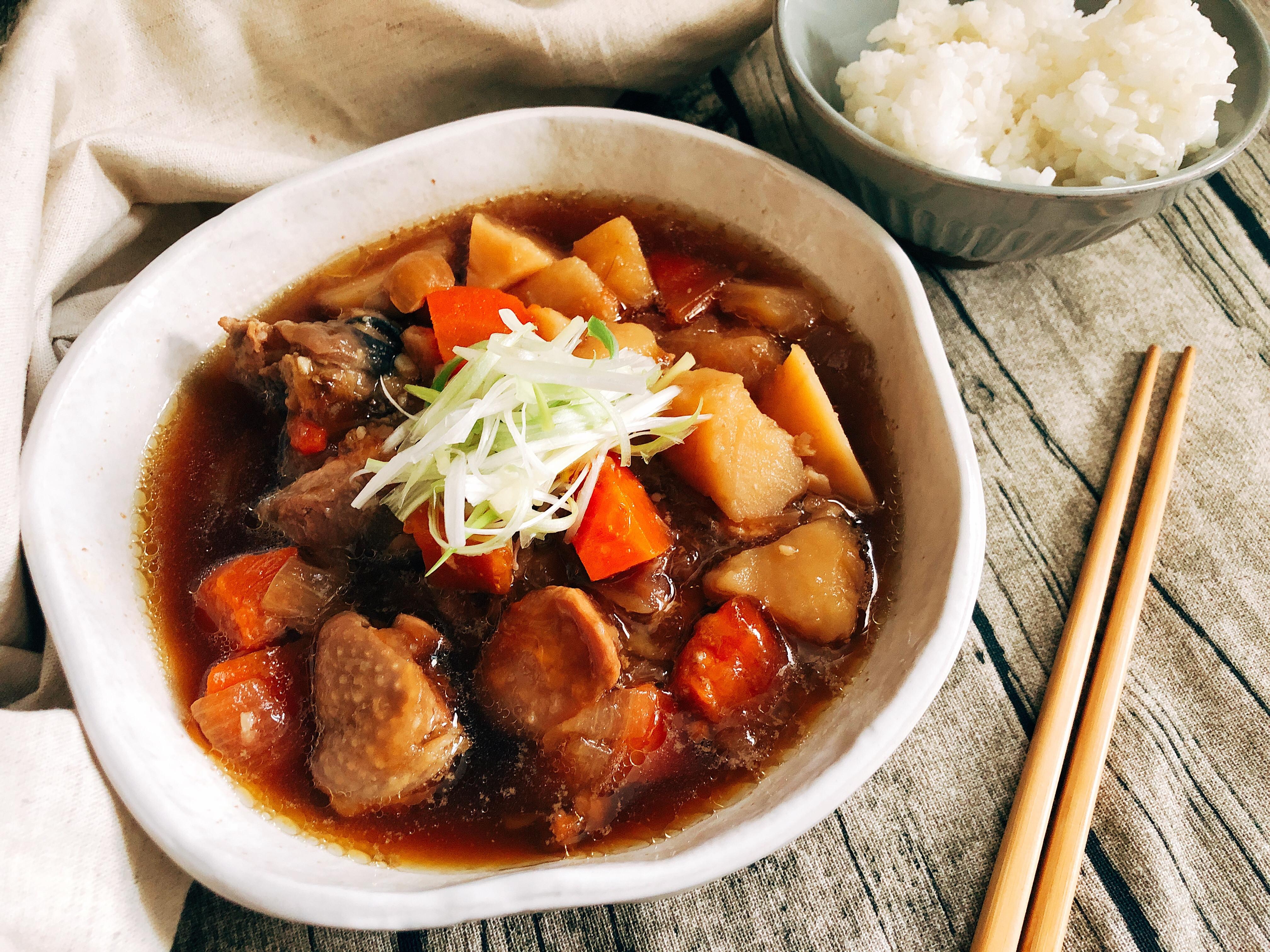 日式馬鈴薯燉雞腿肉