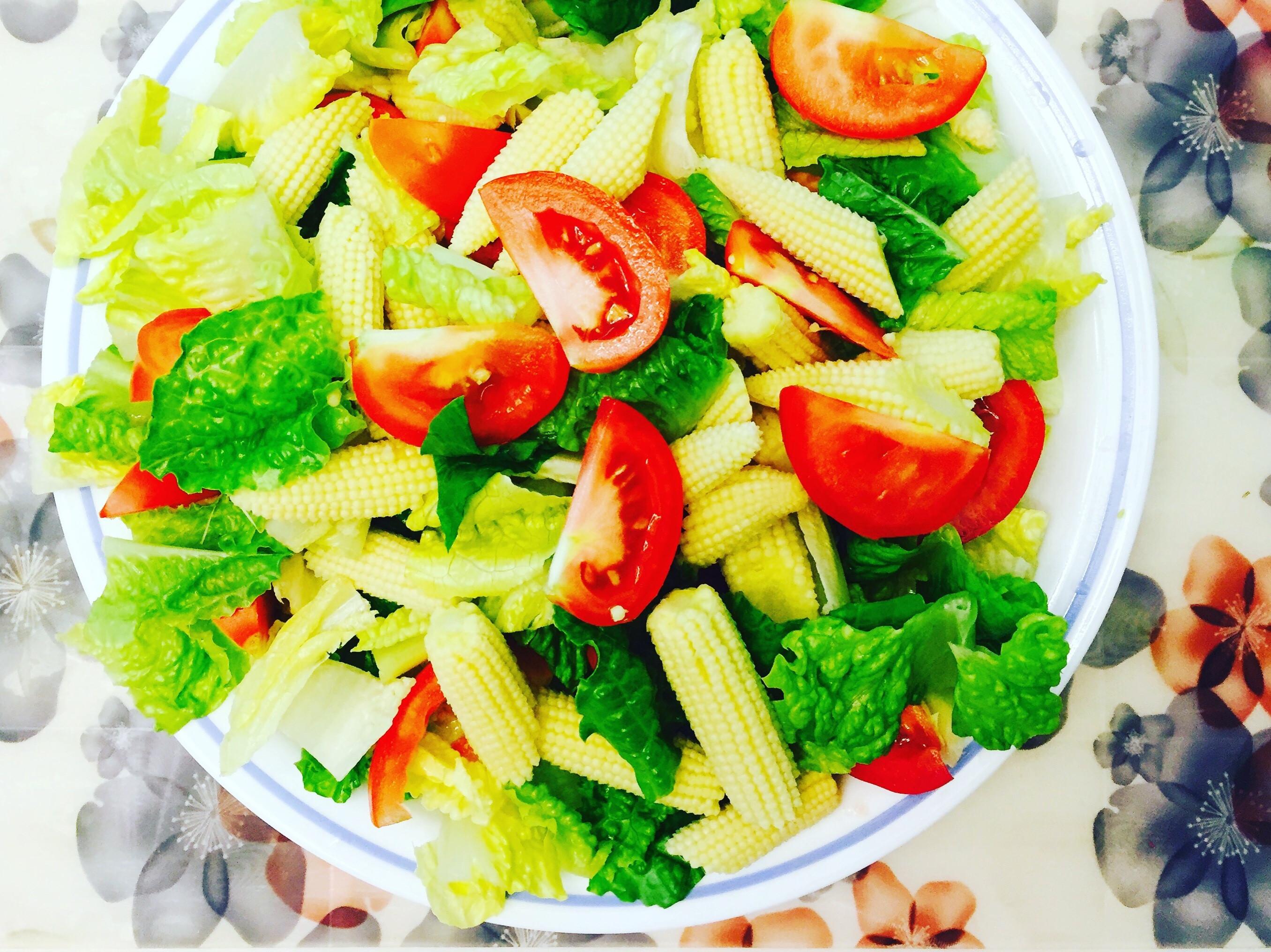 蘿蔓玉米筍蕃茄沙拉