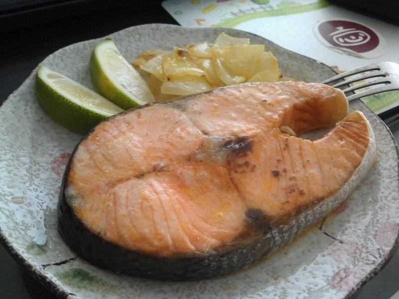 品靚上菜-奶油洋葱烤鮭魚