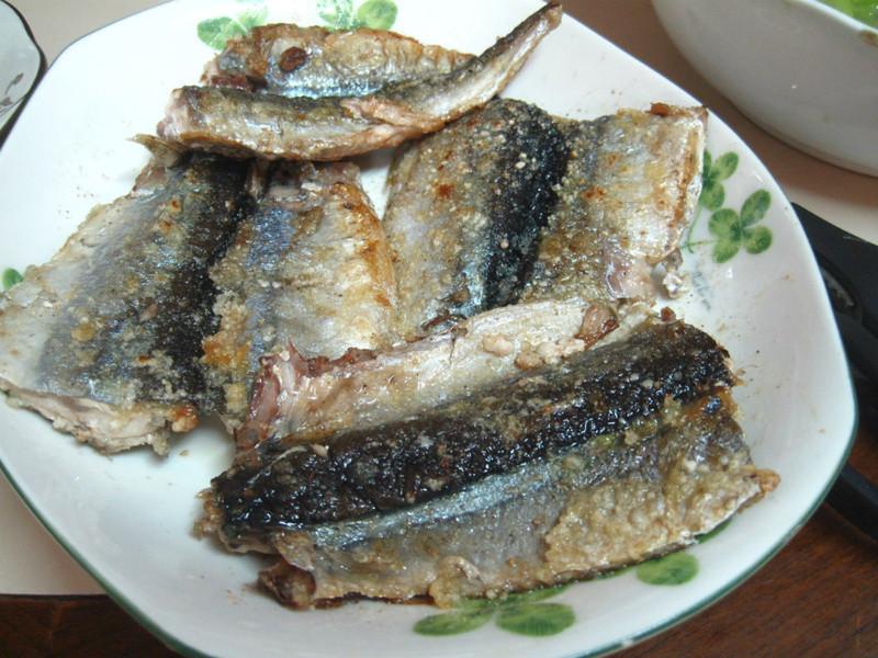 酥脆秋刀魚