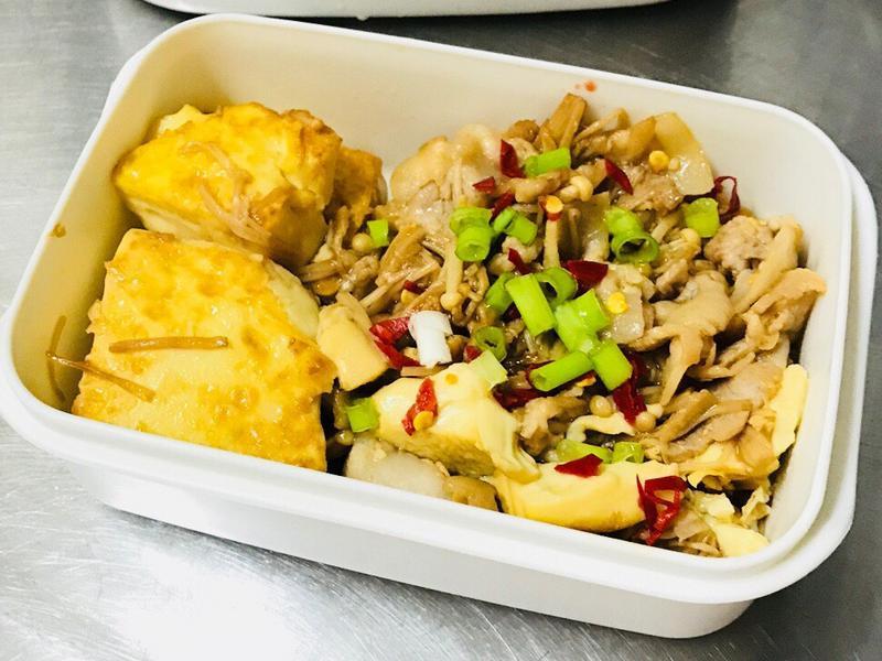 醬燒雞蛋豆腐金針菇(便當菜)