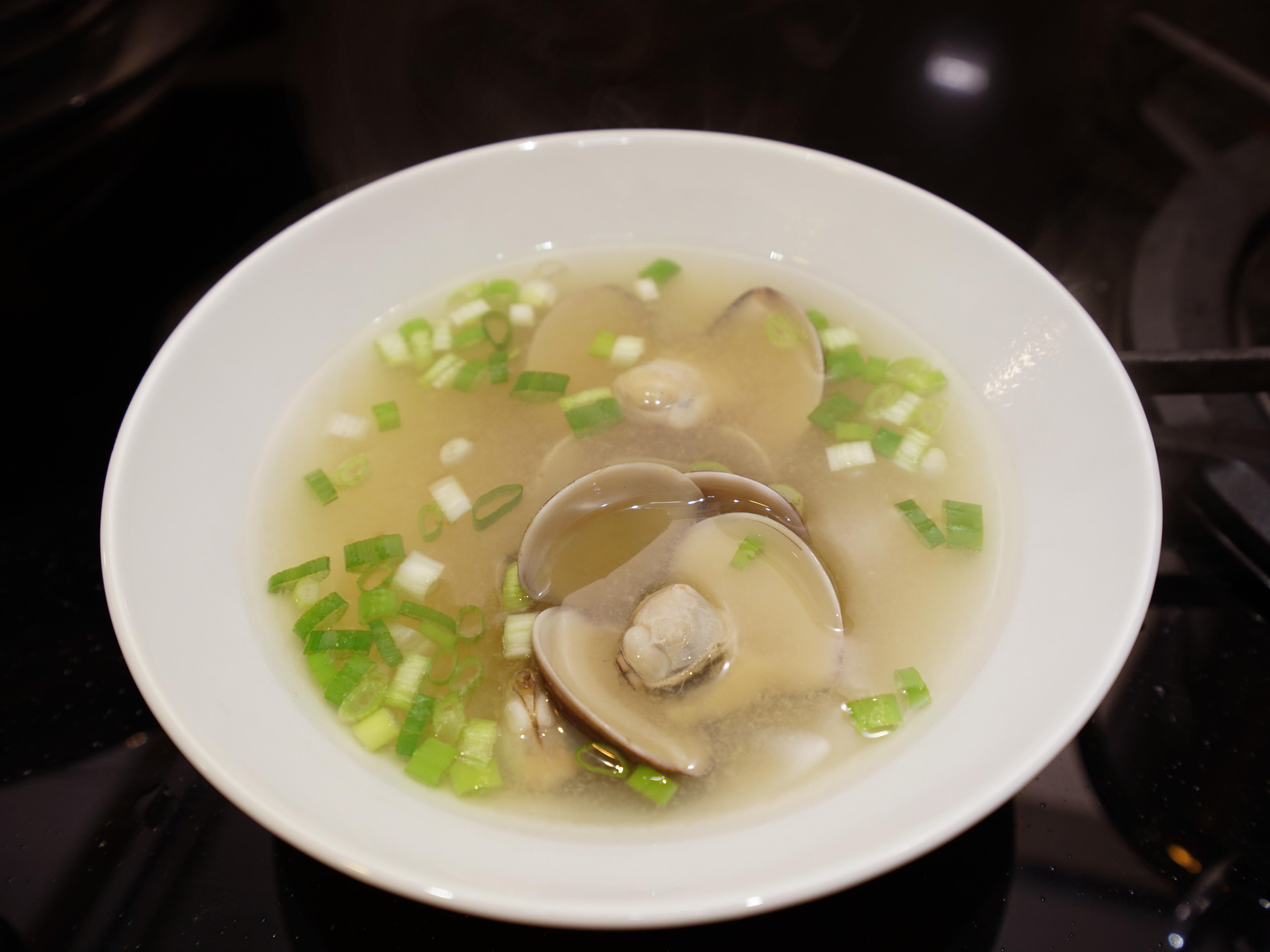 味噌蛤蠣湯。一人份食譜