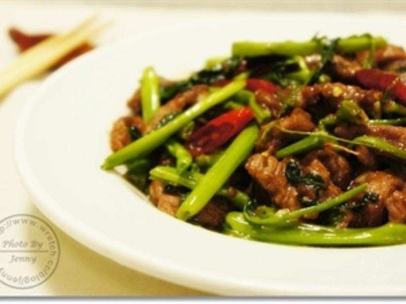 空心菜炒沙茶牛肉