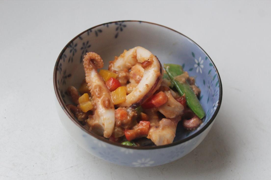 沙茶花生醬炒中卷