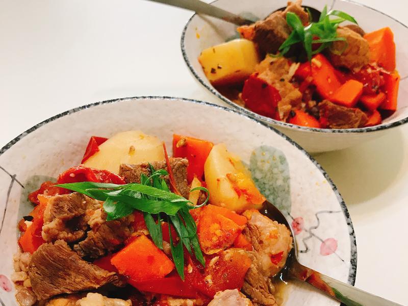 番茄馬鈴薯燉肉(萬用鍋)