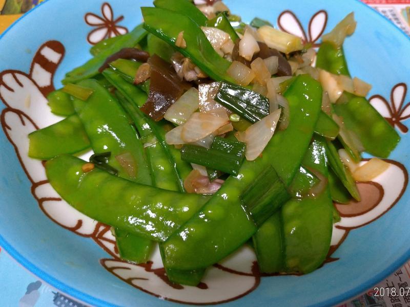 剝皮辣椒炒荷蘭豆