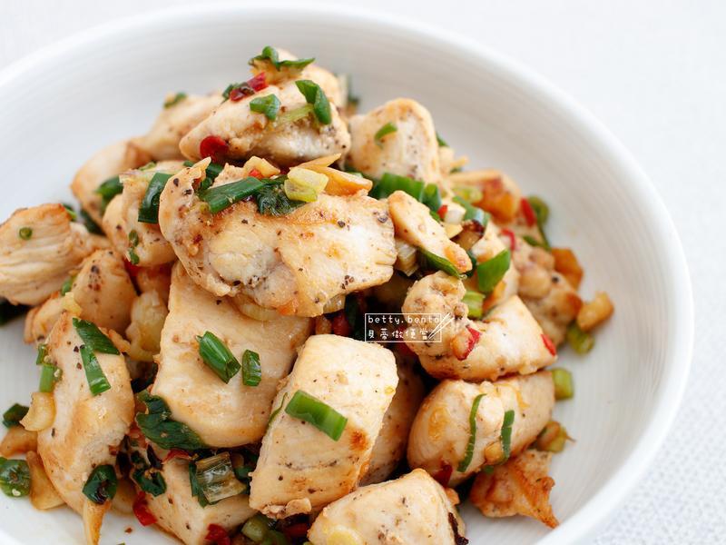 低脂料理《蔥燒嫩雞塊》