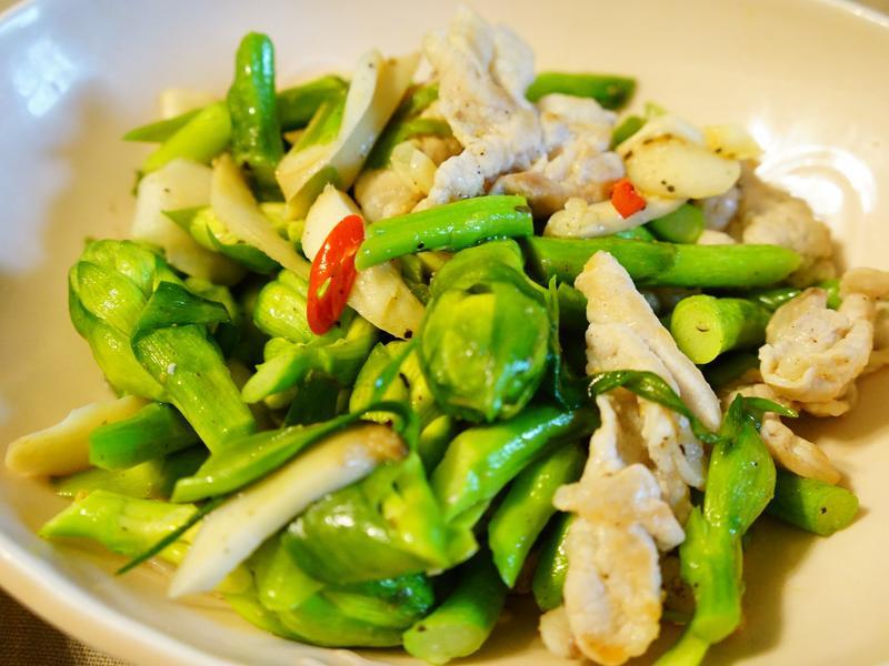 辣炒晚香玉筍肉片